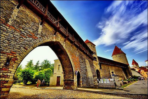 Old-Town-Tallinn-Wall